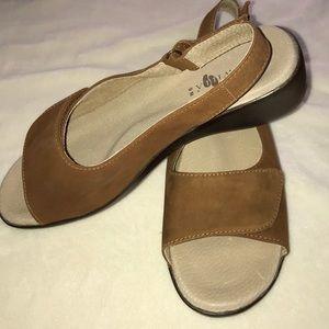 Maravilla Sandals Size 9M